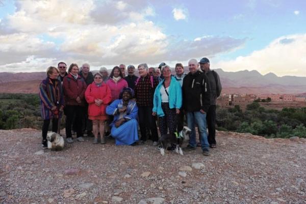 Maroc - Groupe devant la Palmeraie