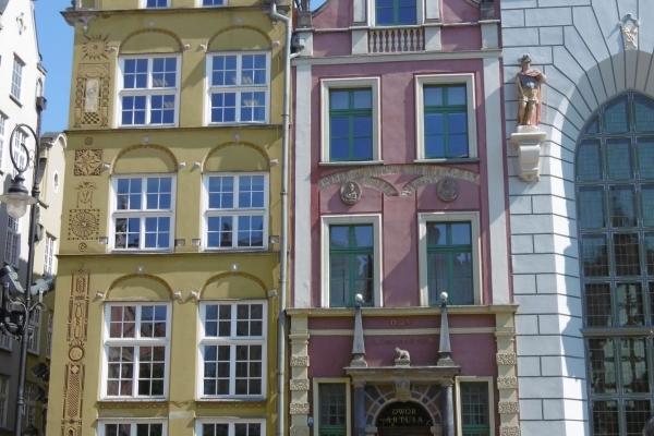 Pologne, Facades des vieilles maisons de GDANSK