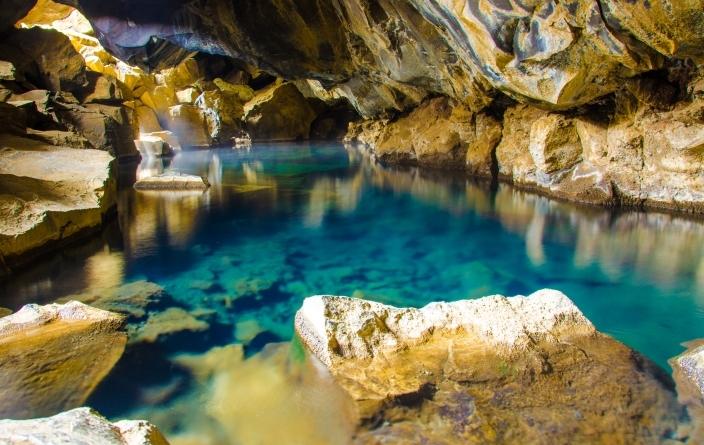 Islande, Myvatn grotte géothermale