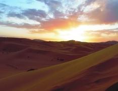 Maroc, Merzouga au lever du soleil